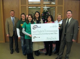 AbbyBank Weston employees presenting check to Peyton's Promise for food to 5 local food pantries